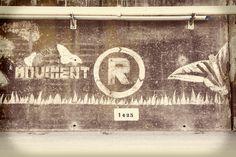"""El """"graffiti net"""" del @movimentr per a compartir un bon Dia Internacional del Reciclatge. Gràcies! Graffiti, Home Decor, International Day, Decoration Home, Room Decor, Home Interior Design, Graffiti Artwork, Home Decoration, Interior Design"""