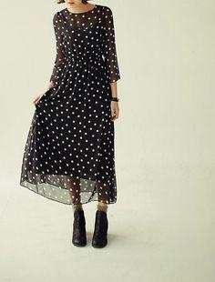 Полупрозрачное шифоновое платье в горошек