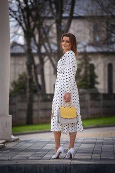 Wiosenny look z białą sukienką w grochy | White polka dot dress - Annastylefashion