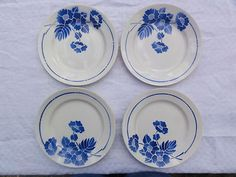 Assiettes plates Moulin des Loups style Digoin Sarreguemines. French crockery