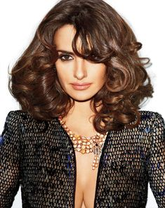 How I adore Penelope & her caramel curls. Very 70s hair but more subdued.