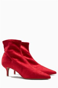 Ready to elevate your style? Inject these red kitten heel sock boots to your winter wardrobe to dress UP your pair of jeans, black dress or even your party outfit! Kitten Heel Ankle Boots, Kitten Heels, Cute Shoes, Me Too Shoes, Leather Heeled Boots, Chelsea Ankle Boots, Socks And Heels, Red Boots, Wedding Heels