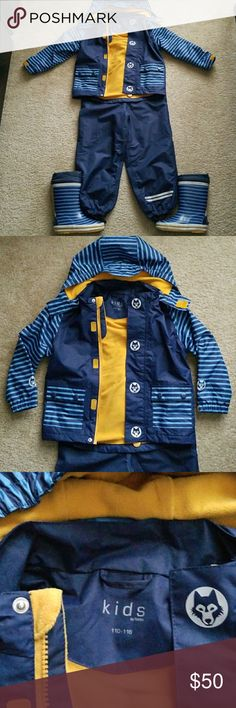 Winter Snowsuit Set By Tchibo Size 4T Worn once, I waited too long it's too small 😦 bought it in Germany. The boots were worn, but still in good condition just missing the strings, easily can be replaced. Removable hood. Matching Sets