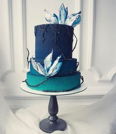 Gorgeous blue ombre wedding cake with painted ornamentation Beautiful Cake Designs, Beautiful Cakes, Big Cakes, Fancy Cakes, Amazing Wedding Cakes, Amazing Cakes, Pretty Cakes, Cute Cakes, Fondant Cakes