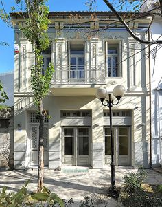 Athens' Neoclassical Gems - Greece Is Neoclassical Architecture, Interior Architecture, Facade Design, Exterior Design, Greek House, Greek Culture, Villa, Spanish Style, Townhouse
