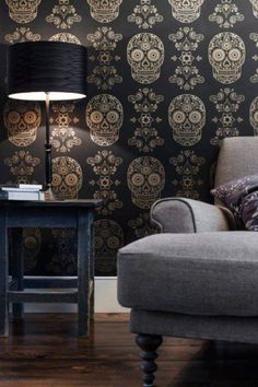 Wallpaper... love it or hate it? I'm not sure!