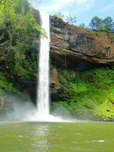 Cachoeira de Furnas em Indianópolis, MG  Fotografia de Eudes Silva.