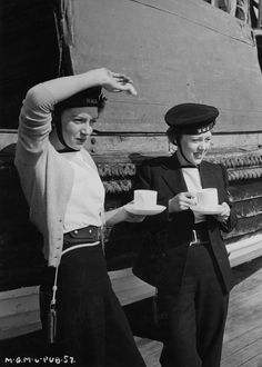 Deborah Kerr and Glynis Johns, 1944