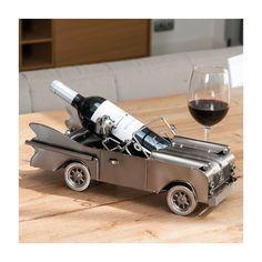 Porte-Bouteilles Métallique Automobiliste Voiture Vous serez enchanté avec ce porte-bouteilles voiture si original pour servir le meilleur vin à vos invités. Dimensions env. : 42 x 17,5 x 16 cm.