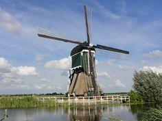 Windmill 'Gelkenes', Molendijk, Groot Ammers.