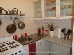 SabbaticalHomes - Home for Rent New york New York 10025 United States of America, Spacious and Sunny Townhouse Ap't.