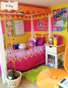 My favorite doll's bedroom.....so much colors....not my favorite room....