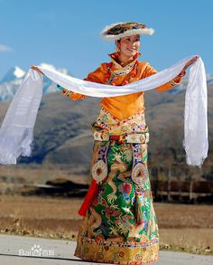 Hada is Mongolia people of the Tibetan people as the ceremonial silk, is the social event of essential goods.Hada is today's China Tibetan national characteristics have the precious gift presented to dignitaries.