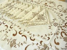 Vaune's Sewing Room: Ecru Embroidery from Madeira!
