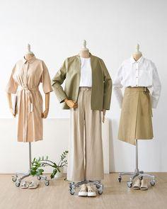 Korean Street Fashion, Korea Fashion, Aesthetic Fashion, Aesthetic Clothes, Hijab Fashion Inspiration, Style Inspiration, Clothes Mannequin, Clothing Photography, Korean Outfits