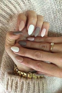 أفكار للمزج بين أكثر من لون عند وضع طلاء الأظافر #nails #nailart #naildesigns
