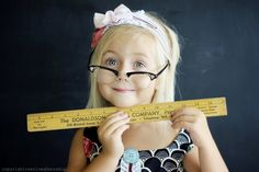 Teacher's pet? Lovely back to school photo idea via www.resolved2wors...