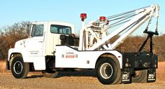 Ford L-700 Heavy Duty Tow Truck, Holmes 750