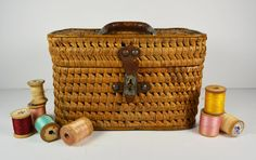Hey, I found this really awesome Etsy listing at https://www.etsy.com/listing/219948202/vintage-sewing-basket