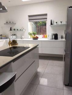 Design My Kitchen, Kitchen Layout, Michael Kitchen, Wren Kitchen, Kitchen Prices, Handleless Kitchen, Kitchen Planner, Steps Design, Kitchen Sale