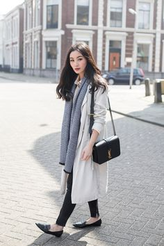 Scarf + Trench + Pointed flats