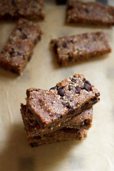 These homemade Larabars require only five ingredients and take only minutes to make. You'll love the coconut chocolate chip flavor! Chocolate Chip Bars, Coconut Chocolate, Homemade Chocolate, Larabar Recipe, All You Need Is, Homemade Larabars, Healthy Treats, Healthy Eating, Donuts
