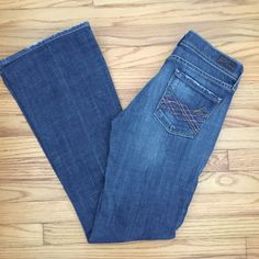 """Citizens of Humanity Naomi Flare Jeans Size 25 Citizens of Hunanity Naomi #065 low waist stretch flare jeans. Inseam 31"""". Size 25. Citizens of Humanity Jeans Flare & Wide Leg"""