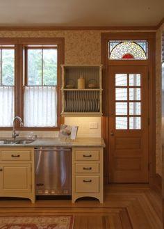 Victorian Farmhouse Design Ideas, Pictures, Remodel and Decor Victorian Kitchen, Victorian Farmhouse, Victorian Homes, Victorian Interiors, Modern Victorian, Victorian Decor, Modern Interiors, Vintage Decor, Kitchen Doors