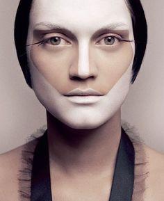 From fabulous Japanese makeup artist, Ayami Nishimura (clients include Lady Gaga and Kylie Minogue Eye Makeup, Beauty Makeup, Catwalk Makeup, Makeup Black, Best Makeup Artist, Makeup Artists, Foto Fashion, Japanese Makeup, Make Up Art