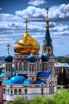 Architecture - Places of Worship - The Dormition Cathedral in Omsk is one of the largest churches in Siberia. Russian Architecture, Church Architecture, Beautiful Architecture, Religious Architecture, Places Around The World, Oh The Places You'll Go, Around The Worlds, Beautiful World, Beautiful Places