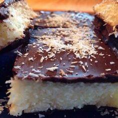 Egy finom Bounty szelet sütés nélkül ebédre vagy vacsorára? Bounty szelet sütés nélkül Receptek a Mindmegette.hu Recept gyűjteményében!