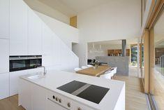 Haus DB Klaus — ARCHITEKTUR Jürgen Hagspiel Concrete Wood, House On A Hill, Villa, Kitchen Cabinets, Living Room, Architecture, House Ideas, Furniture, Houses