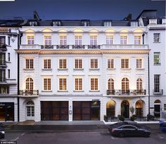 The multi-million pound Mellier suite at 26 Albemarle Street in Mayfair, central London, is just a stone's throw from the exclusive district's private clubs, swanky restaurants and shops. London Townhouse, London Apartment, Open Plan Apartment, Mayfair, Building Renovation, London Pictures, Facade Design, Pent House, Luxury Apartments