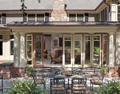 Really like these folding doors to the outside living area.