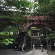 南禅寺  カメラ新しくした記念どんな記念だ 笑に10月あたりにふらっと京都に行こうかな  関西に居た半年間で京都通いまくったから1日あれば相当好きな場所まわれる自信ある()笑  #南禅寺#京都#京都行きたい#京都熱高め#関西旅日記#旅人の交換日記#icu_japan #ig_cameras_united #HuntgramJapan#IGersJP#ig_photooftheday#loves_nippon#loves_jp#ig_jp#IG_JAPAN#旅#一人旅#ひとり旅#reco_ig#ink361_asia#mwjp by yui123
