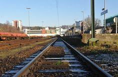 Zweites Gleis: Ausbau der S-Bahn soll 2013 beginnen - Helene Hammelrath, SPD-Ratsherrin in Gladbach und ehemalige Landtagsabgeordnete, lässt den Kontakt zur Landesregierung in Düsseldorf nicht abreißen. So informiert sie über eine Anfrage ihres Parteifreundes Horst Noack, Kölner SPD-Ratsherr, zum Thema zweites S-Bahn-Gleis nach Bergisch Gladbach.