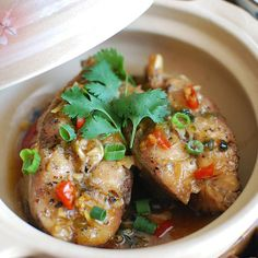 Cá Kho Tộ {Vietnamese Clay Pot Braised Catfish}