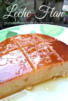 Leche Flan (Caramel Pudding) has always been a Filipino favorite dessert. Almost always present in every occasion. I've been wanting to make this fo Philipinische Desserts, Asian Desserts, Dessert Recipes, Pudding Desserts, Pinoy Dessert, Filipino Desserts, Filipino Food, Filipino Leche Flan, Easy Filipino Recipes