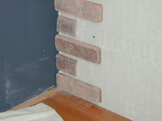 Step-by-step instructions to attach interior brick wall veneer in a running bond pattern.