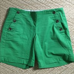 """Kelly green sailor button shorts Nice pop of green for the summer. 5"""" inseam J. Crew Shorts"""