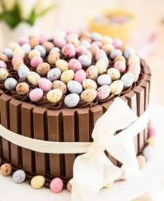 Whip up this chocolatey confection using your leftover Easter candy. desserts ideas These Beautiful Easter Cakes Will Be the Sweetest End to Your Sunday Meal Easter Cake Easy, Easter Bunny Cake, Easter Cupcakes, Easter Deserts, Easter Treats, Easter Candy, Easter Food, Slow Cooker Desserts, Food Cakes