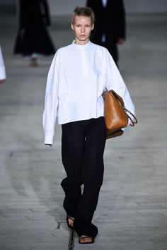 Spring Blouses, Classic White Shirt, Shirt Blouses, Shirts, Jil Sander, Celine, Personal Style, Normcore, Chic