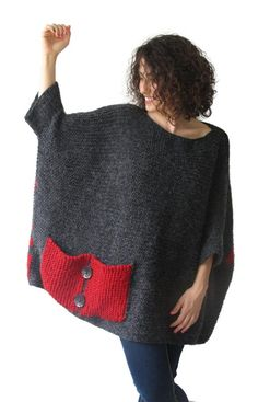Plus Size – Over Size Sweater Dark Gray – Red Hand Knitted Sweater with Pocket Tunic – Sweater Dress by Afra – Knitting world Crochet Poncho, Hand Crochet, Hand Knitting, Handgestrickte Pullover, Pull Gris, Plus Size Patterns, Big Knits, Hand Knitted Sweaters, Tunic Sweater