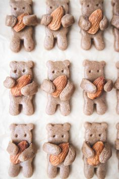 "Healthy Tahini ""Teddy Grahams"" (vegan, gluten-free, and oil free) Vegan Sweets, Vegan Desserts, Tahini Cookies Recipe, Cookies Vegan, Graham Cookies, Teddy Grahams, Bear Cookies, Shaped Cookie, Clean Eating Snacks"