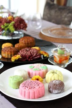 Moon cake and flower tea