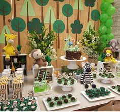 Jungle Theme Birthday, Animal Birthday, Baby Birthday, Safari Decorations, Baby Shower Decorations, Boy Baby Shower Themes, Baby Boy Shower, Safari Party, Tarzan
