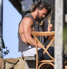 """1,449 Likes, 18 Comments - Jason Namakaeha Momoa Ⓜ (@jasonsmomoans) on Instagram: """"""""Jason Momoa loves going to the beach almost as much as we love looking at his bulging biceps. On…"""""""
