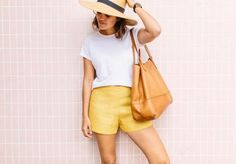 Are you looking for a new addition to your wardrobe? Are you trying to find your next summer sewing project? We have a solution! Try sewing these One Hour Sophisticated Summer Shorts. Shorts Diy, Sewing Shorts, Sewing Clothes, Comfy Shorts, Holiday Outfits, Summer Outfits, Diy Summer Clothes, Thing 1, Diy Clothing