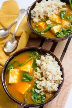 Easy Vegetable Curry with Tofu Kale & Brown Rice by Parsley in My Teeth #vegan #vegetarian
