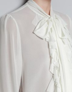 FRILL BLOUSE WITH BOW